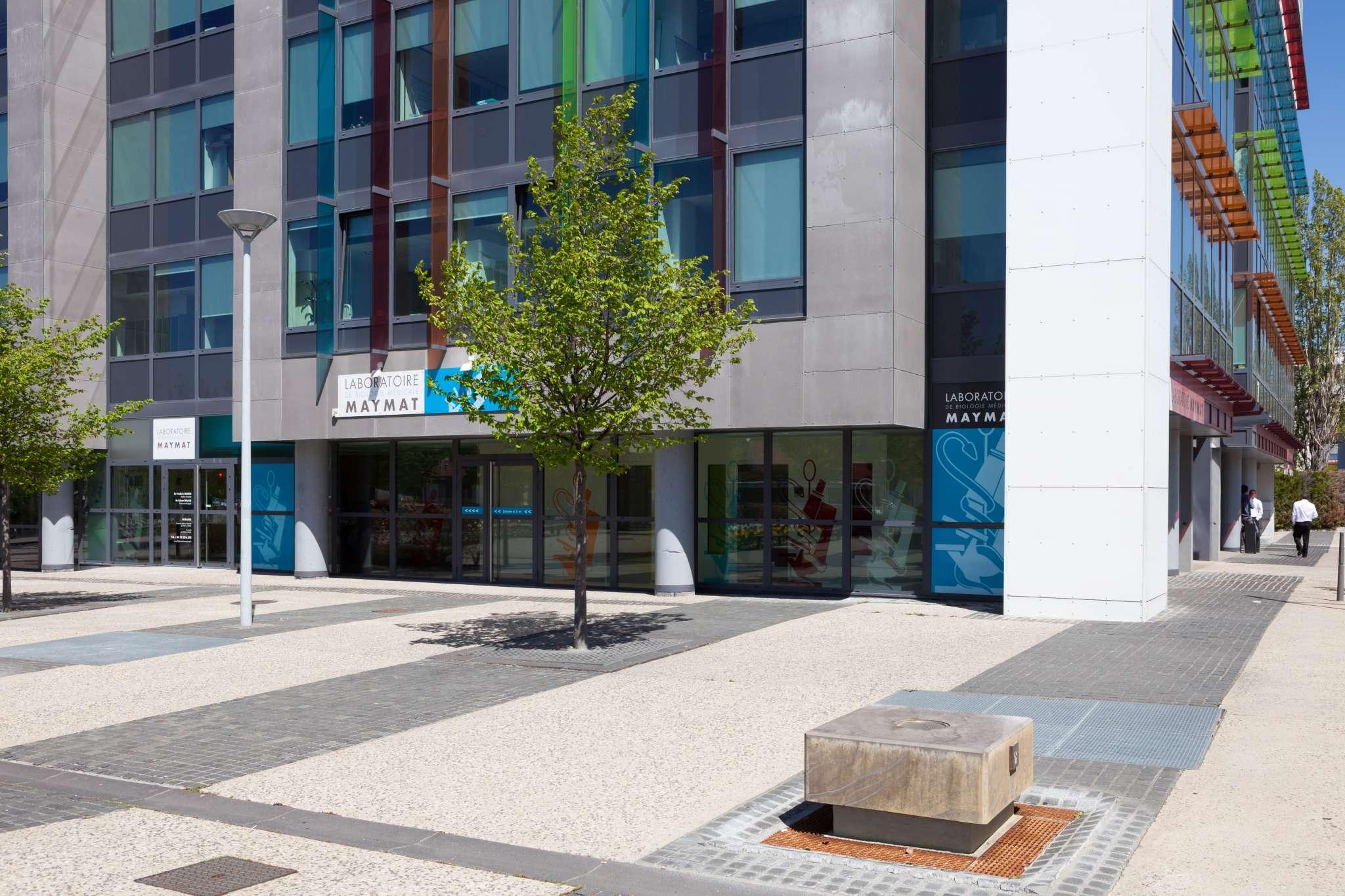 Façade, extérieur du laboratoire d'analyse médicale Maymat de Clermont Ferrand.
